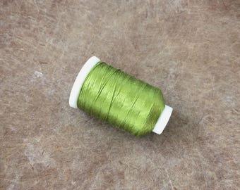 Vintage Gudebrod Bros Silk Thread Spool, Bright Green, Size E, 265 Yards