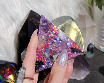 Orgonite® Pyramid - Triangle - EMF Protection - Handmade - Quartz Crystal - Crystals - HoodxHippie - Positive Energy - Good Vibes- Gift