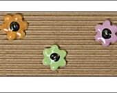 """Little Flower Buttons, 0.75"""", Handmade Fair Trade Ceramic Buttons, handmade buttons, Incomparable, knitting, sewing, craft, UK seller"""