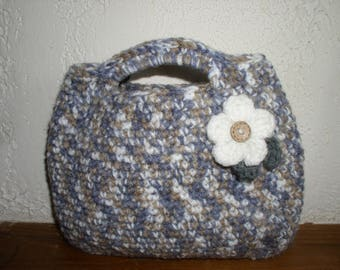 small bag wool with flower and button