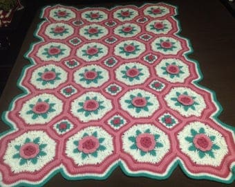 Vintage Crocheted Flowered Quilt, Vintage Crocheted Granny Quilt, Crocheted Raised Flower Blanket, Kitchy Crocheted Quilt, Boho Crochet