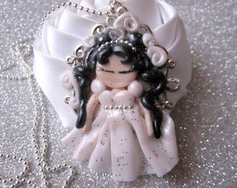 Necklace little Princess or bride and the chain has beads