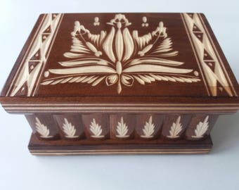 Puzzle box new brown wooden jewelry ring holder surprise magic with magic opening storage case adventure hunting treasure hidden drawer key