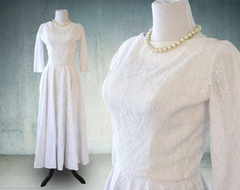 1950s Wedding Dress White Linen and Lace with Sleeves Classic Elegance