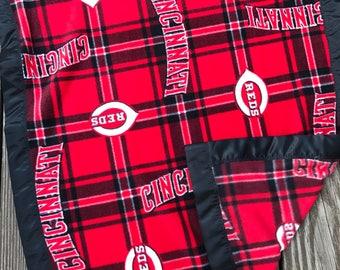 Cincinnati Reds Baseball Fleece Blanket with Black Satin Binding, Reds Fleece Blanket, Men's Gift, Baby Gift, Child Gift