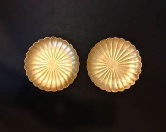 Round Trays Gold Leaf Melamine Lotus Flower Shaped Vintage Trinket Dish Hollywood Regency Vanity Tray Decor