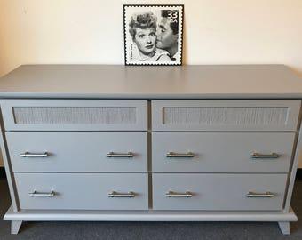 Beautiful Updated 6 Drawer Dresser/Gray Dresser/TV Console/Buffet/Painted Dresser/Modern Dresser/Mid Century Dresser/Vintage Dresser