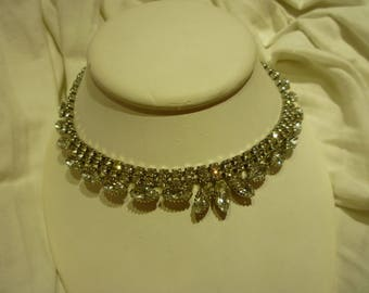 G61 Vintage Silver Tone with Clear Rhinestones Necklace.