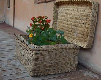 Vintage antique wicker basket -  Antique hand woven basket - Country farmhouse - Primitives country decor- Rare antique - era 30x .