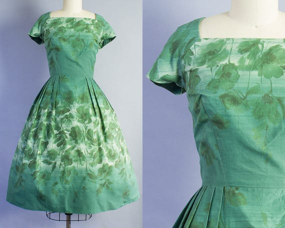 1950s Green Poppy Print Dress | Medium (34B/28W)
