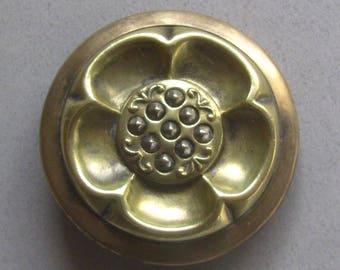 Wonderful Brass Flower With Cut steels