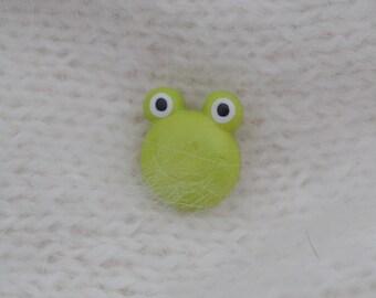 "button ""frog"" 20mm diam."