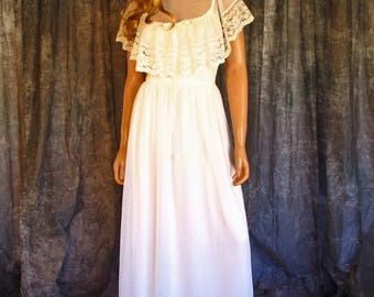 Vintage 70s White Lace Gunne Sax Maxi Dress Sheer Lace Netting Scallop Trim Hem Capelet Collar Victorian Wedding Bridal Party XS