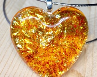 Heart Resin-resin pendant opalescent metal