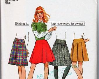 Vintage Mini Skirt Pattern Yoke Skirt Pleated Skirt SIMPLICITY 5081 waist 26.5 Inverted Pleat Skirt Box Pleat Skirt Flared Skirt Retro Skirt