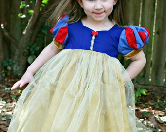 Girls Size 5 Ready to Ship Snow White Inspired Dress- Snow White Dress up- Toddler Snow White Dress- Slight flaw see description