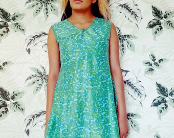 Summer dress size 10 Vintage summer dress in bold retro print 60s 70s