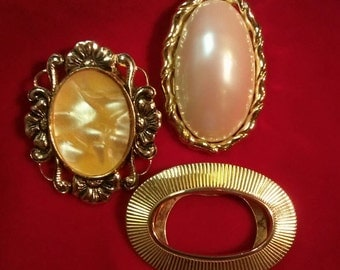 3 Lovely Vintage Dress Clips