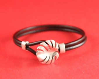 4/2 MADE in EUROPE zamak palm leaf clasp with slider, 3mm round cord clasp, silver leaf hook clasp (CRPs) Qty1