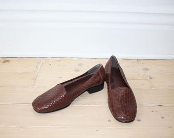 Brown Size 7 1/2 Loafers - Cute, Leather, Slip Ons, Woven, Predictions Leather Collections