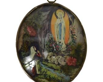 French Religious Vintage Lourdes Cave Reliquary Pendant - Bernadette Soubirous - Vintage Lourdes Souvenir - Religious gift