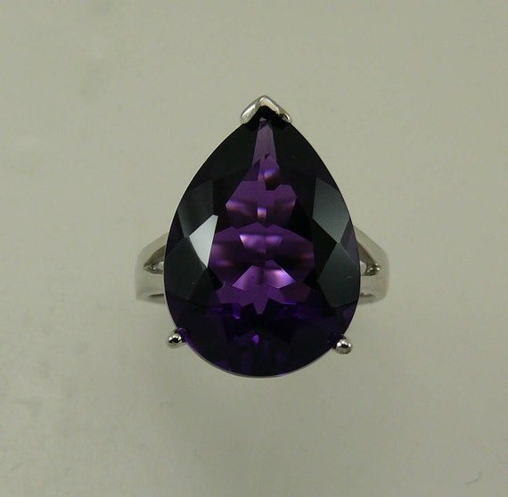 Amethyst 10.0ct Ring with Sterling Silver Setting