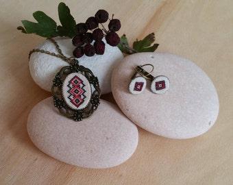 Set of jewelry/Hand embroidered set/Cross stitch set