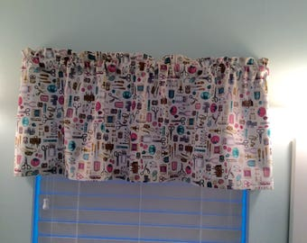 Sewing Theme Window Valance-Sewing Decor-Sewist Decor-Arts and Crafts Decor-Sewist Curtains-Bedroom Curtains