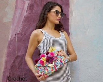 Small Bag Pattern, Clutch Tutorial, Crochet Bag Pattern, Crochet Purse Pattern, Crochet Patterns, Pom Pom Clutch, Clutch Pattern