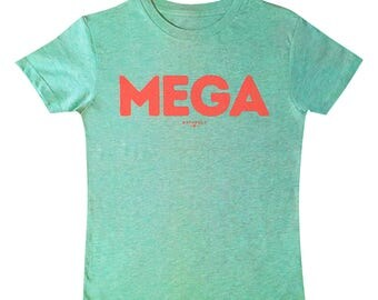 Mega T-shirt for boys and girls, organic cotton, light heather green, buzz words, bright colours, retro graphics for cool kids UK
