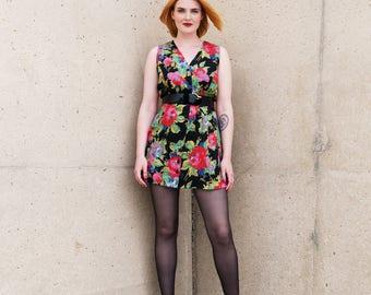 Vintage summer dress with flower motif