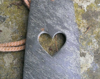 Decorative wall-heart raw slate
