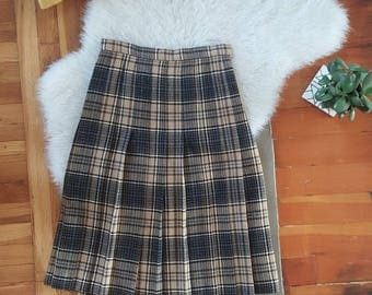100% Wool Plaid Pleated Skirt Made in Scotland Vtg Size S/M