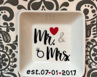 Mr. & Mrs. ring dish - wedding gift - engagement present - Mrs. and Mrs. ring dish