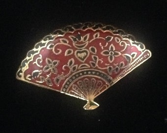 Vintage fan shaped cloisonné brooch