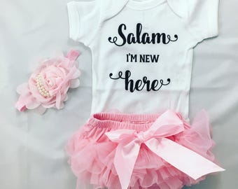 Salam I'm New Here (TM) gift set for baby girl; Muslim Baby Girl coming home outfit; muslim babygrow; Baby bodysuit; aqeeqa gift; new muslim