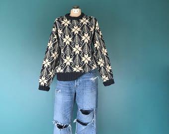 80s Vintage Snowflake Ski Sweater, 80s Snowflake Jumper, 80s Ski Sweater, 80s Ski Sweater, 80s Winter Sweater, TaraLynEvansStudio