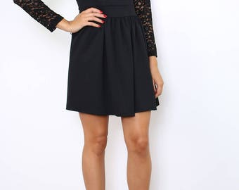 Short sleeved lace and backless dress