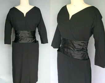 gumption / 1950s black wiggle cocktail dress / 6 small
