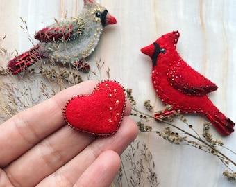 Valentine's gift - Pair of Cardinal Birds - Cardinal brooches - Heart pin - Felted brooch - Red bird - Bird brooch - Embroidered brooch