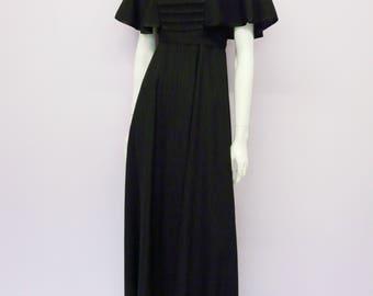 Eur 36 / US 6 / UK 8 // Vintage 70's black virgin woolen maxi dress with butterfly sleeves