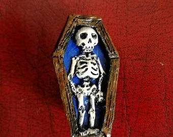 Skelly Brooch Blue