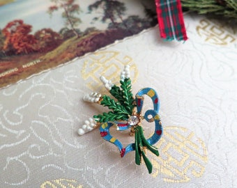 Vintage Lucky White Heather Brooch - Vintage Scottish Brooch - Vintage Heather Brooch - Tartan - Gift for a Bride - Gift for Her - Scottish