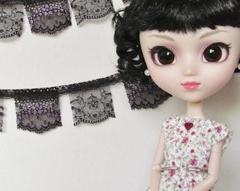 Lace garland