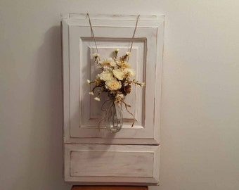 Flower Holder Rustic Wall Sconce, Distressed Mason Jar  Wall Mounted Vase, Mason Jar Vase, Rustic Deco Art Wall Vase,  Farmhouse Wall Vase
