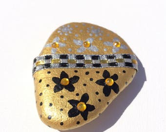 Painted Rock Hand Painted Rock Painted Dots ans flowers Rock Art Beach Stone