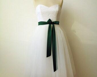 Green sash, bridesmaid sash, chiffon sash, bottle green, long sash, wide sash, dress sashes, bridesmaid sashes, party sash, dress sash