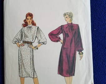 Vogue Dress Pattern 8394 Sz 12/14/16