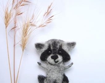 Cute Felt Raccoon Pin Baby Cub Zoo Brooch Adorable Animal Woodland for Daughter Wildlife Mom Kids Gift Fairytale Racoon Coon Felted Jewelry