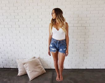 Levis 501 Distressed Shorts (28)
